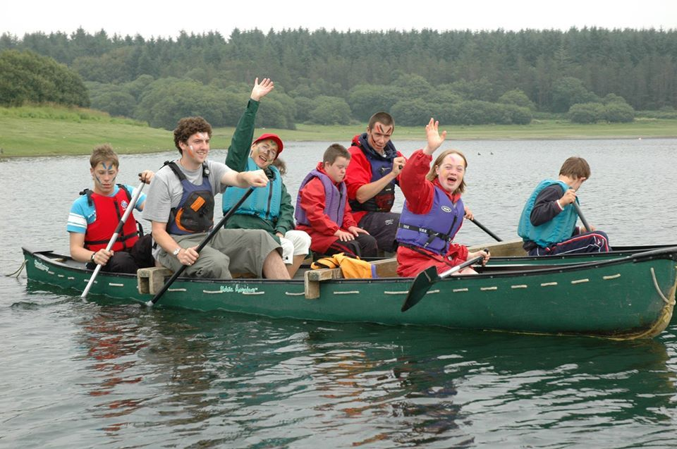 A group of Calvert Trust Exmoor guest trying out canoeing